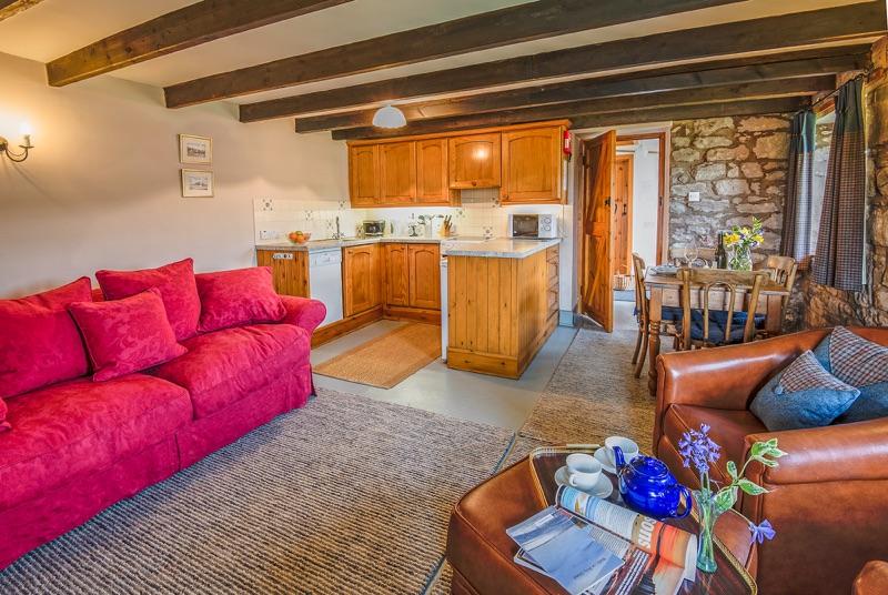 Geary Shiel sittingroom kitchen